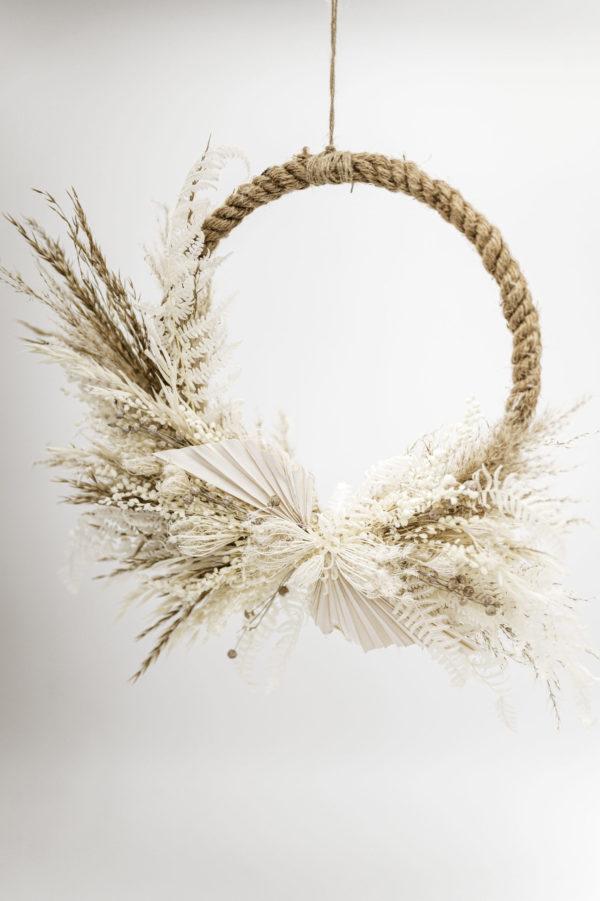 dried flower hoop