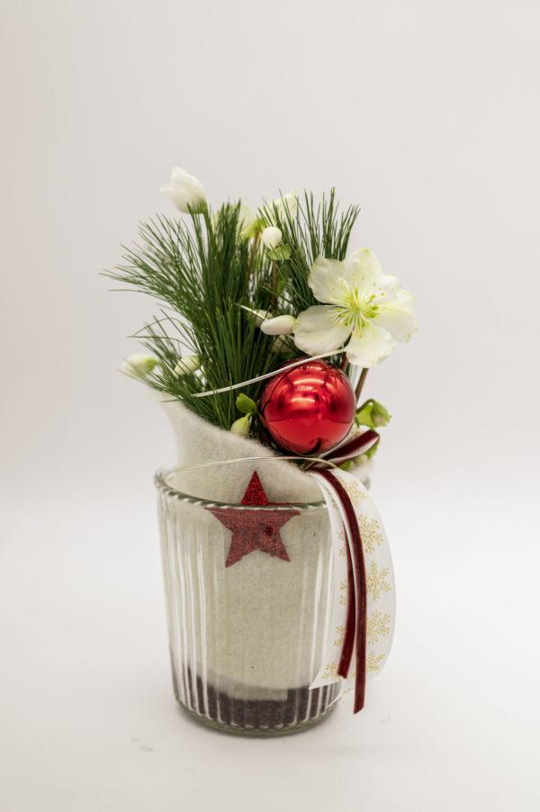 Christrose dekoriert