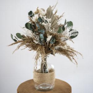 Trockenblumenstaruß in Glasvase